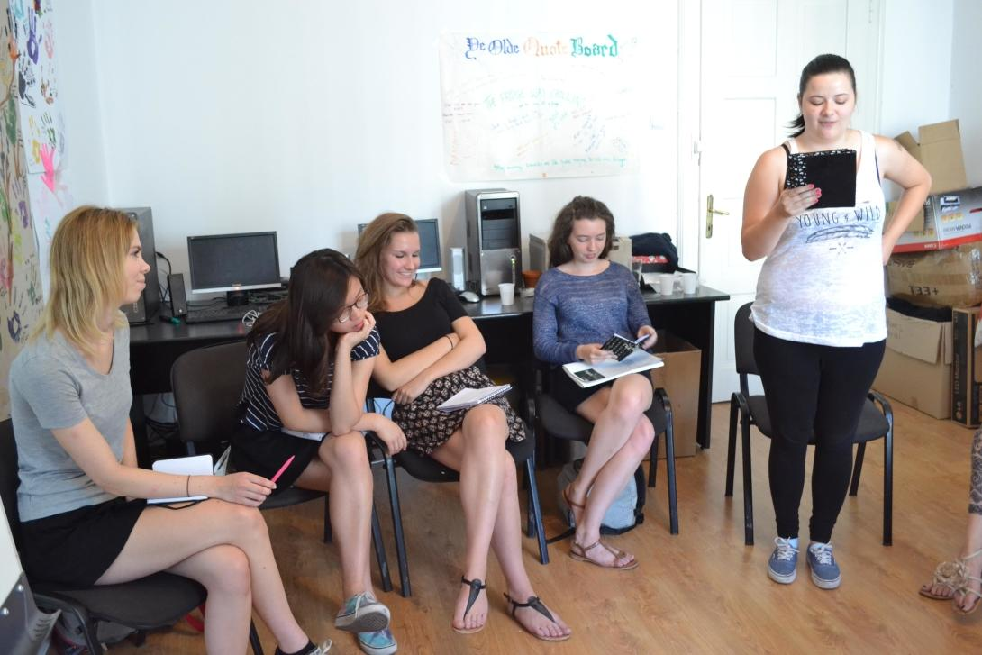 Projects Abroad Journalism volunteer, presenting the result of her interview at a training session at her project in Romania.